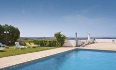 Alte Hotel *** - No topo da Serra do Caldeirão, irá encontrar um pitoresco e moderno Hotel encostado à serra. O Alte Hotel é o local ideal para umas férias tranquilas, junto à natureza e à verdadeira essência do que ainda é genuíno no Algarve.