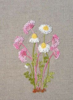 Camomilles #embroidery #flowers Hand Embroidery Projects, Hand Embroidery Designs, Embroidery Techniques, Hand Embroidery Stitches, Silk Ribbon Embroidery, Embroidery Applique, Machine Embroidery, Embroidery Patterns, Cross Stitch Embroidery