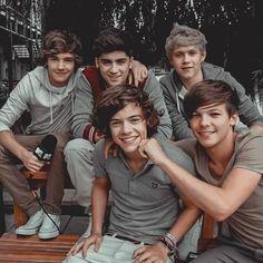 Fetus One Direction, One Direction Lockscreen, One Direction Images, One Direction Harry Styles, One Direction Wallpaper, Direction Quotes, One Direction Humor, One Direction Collage, Zayn Malik