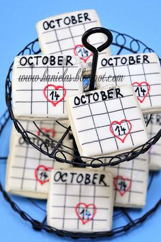 Absolutely darling bridal shower cookies that I simple had to pin because the date on them (October 14th)