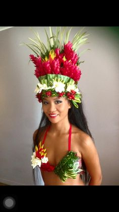 Polynesian Dance, Polynesian Islands, Polynesian Culture, Polynesian Girls, Hawaiian Woman, Hawaiian Girls, Hawaiian Art, Tahitian Costumes, Tiki Hawaii