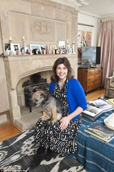 Kirstie Allsopp opens doors to her bric-a-brac style Notting Hill home Kirstie Allsopp House, Kirstie Allsopp Dresses, Contemporary Fireplace Designs, Style Challenge, West London, Home Crafts, Living Spaces, Your Style, Lounge
