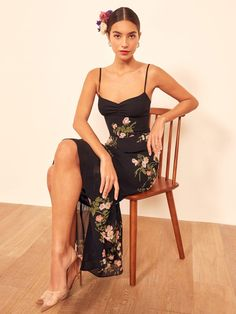 Reformation For The Real Life Dresses Of Your Dreams! - We Select Dresses Girly Outfits, Casual Outfits, Cute Dresses, Summer Dresses, Floral Dresses, Floral Dress Design, Trumpet Skirt, Online Fashion Stores, Dress Making