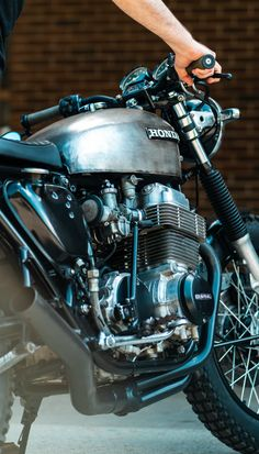 Motorcycle Journal / Moto Zuc — Moto Zuc - Motorcycles and Thoughts Cb750 Cafe Racer, Cafe Racer Motorcycle, Motorcycle Design, Motorcycle Gear, Cafe Racers, Vintage Bikes, Vintage Motorcycles, Triumph Thunderbird, Motocross Riders