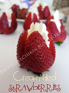 cream filled strawberries, top with finely chopped pecans Just Desserts, Delicious Desserts, Dessert Recipes, Yummy Food, Tasty, Afternoon Tea Party Food, Jello With Fruit, Yummy Treats, Sweet Treats