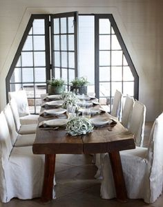 love long dinning room tables Rustic Table, Wood Table, Dining Room Table, Table And Chairs, A Table, Dining Rooms, Dining Chairs, Dining Decor, Plank Table