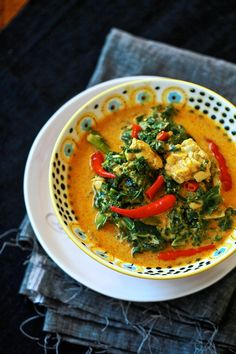 Indonesian Kale (!!!) and Tempe Curry (Kare Tempe) LOVE to Elra (Dewi)