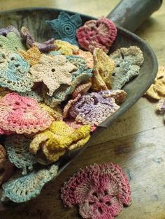 Todolwen: crochet love the colours