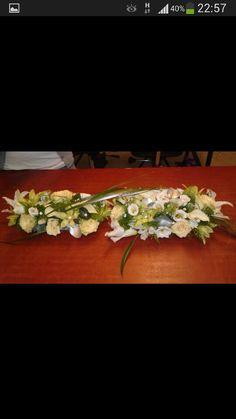 Bordsdekoration till ett bröllop.  Kunden fick som hon vill!