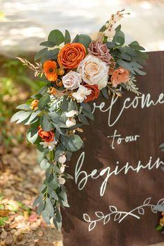 Burnt Orange Weddings, Orange Wedding Colors, Fall Wedding Colors, Wedding Color Schemes, Orange Wedding Decor, Autumn Wedding Ideas, Burnt Orange Decor, Orange Flowers, Fall Wedding Flowers