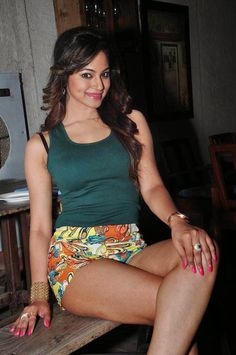 The hot and sexy unseen indian masala models with very big thighs in which they are showing their juicy weighted legs. It's so crazy to see ...