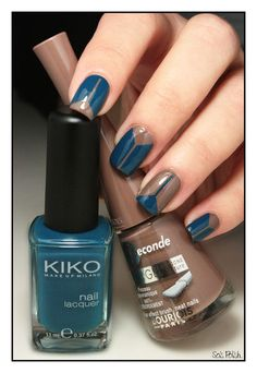 Oil Blue (383) - Kiko + Taupe Classy - Bourjois // Striping tape nails @Elle_Oh_Die