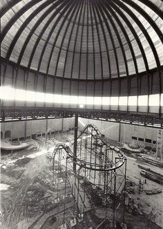 Old Chicago Amusement Park and Mall