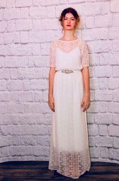 Lace wedding dress. Disregard the bridegroom 4b16bfbb90cf