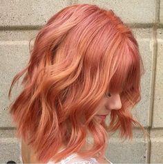 Çünkü bu renk kırmızı ile turuncunun en pastel tonlarının karışımı ile elde ediliyordu.