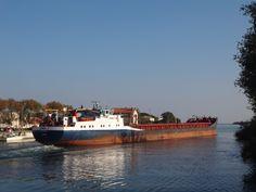 http://koopvaardij.blogspot.nl/2017/11/7-oktober-2017-aankomst-port-st.html    De voormalige Nederlandse MAASVALLEI   van A.G.M. Peperkamp, Delfzijl