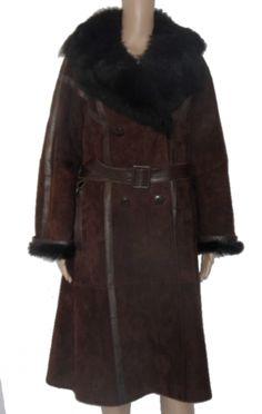 Je viens de mettre en vente cet article  : Manteau en cuir Marque Inconnue 250,00 €…