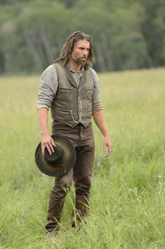 Cullen Bohannon Hell on Wheels distress black lapel collar classic leather vest for men worn by Anson Mount at Discounted Price Westerns, Vikings, Anson Mount, Hell On Wheels, Western Look, Cowboy Western, Le Far West, Leather Vest, Western Movies
