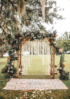 Boho-inspired ceremony piece featuring macrame + orange flowers ceremony backdrop 20 Boho Wedding Arches, Altars And Backdrops Wedding Ceremony Ideas, Ceremony Backdrop, Wedding Trends, Wedding Arches, Wedding Backdrops, Wedding Venues, Diy Wedding, Decor Wedding, Outdoor Ceremony