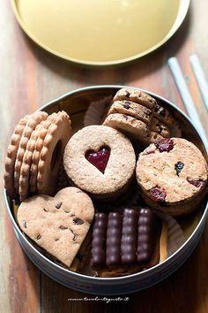 Biscotti integrali buonissimi (1 solo impasto tanti gusti!)