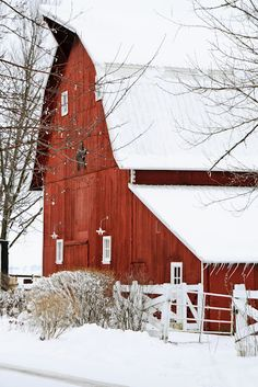 beautiful old red barns are my favourite
