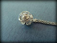 Pretty Pearl & Wire Necklace