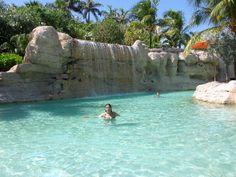 profiter d'une des piscines d'un des plus beau hôtel du monde... sa n'a pas de prix ;)