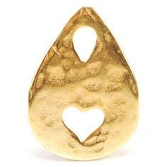 Fornitura bañada en oro ideal para colgar en collar. La puedes encontrar en  http://www.fillsmsala.es/producto/10-piezas/2956-gota_corazon/