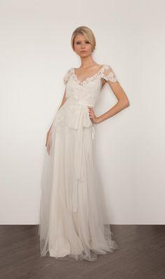 Sarah Janks 2013 Bridal Collection via fashionbride.wordpress.com