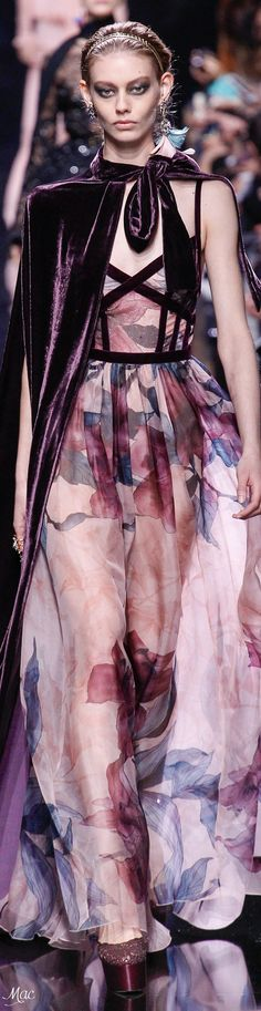 Fall/Winter 2017 featuring Highlights from Elie Saab Fashion 2017, Runway Fashion, High Fashion, Fashion Beauty, Fashion Show, Fashion Design, Elie Saab Couture, Style Couture, Couture Fashion