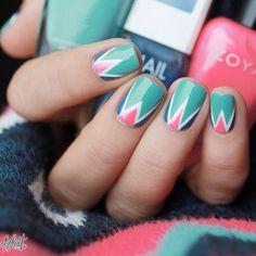Adorable colorblock mani by @pshiiit_polish! ❤️❤️ #ilnpfeature