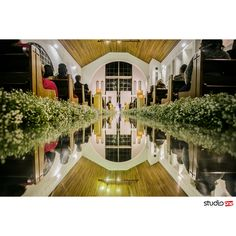 Reflexos que tanto amamos ❤:heart_eyes:❤ . . . . . . . . ❤ :pray: :camera::heartpulse::heart_eyes::bride_with_veil::man:#fotografia #fotografiadecasamento #fotografiadecasamentocuritiba #casamento #casamentocuritiba #noivos #noiva #wedding #weddingbrasil #vestidodenoiva #weddinginspiration #photografy #weddingdress #weddingandlove #weddingphotografer #weddingday #weddingphotografy #weddingpics #photos #photografer #vestidadenoiva #noivadoano #noivascuritiba #weddingidea…