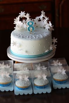 Snowflake cupcakes to match birthday cake for an ice skating party, by Silver Blossom. Ice Skating Cake, Ice Skating Party, Skate Party, Girls 9th Birthday, 9th Birthday Cake, 6th Birthday Parties, Winter Wonderland Party, Winter Birthday, Diy Cake
