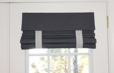 Do you love your French Door Curtain, but want to change it up a little bit? Order detachable straps on your curtain and switch the straps around according to your mood or Holiday! THIS IS AN ADD-ON A