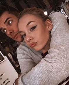genterie: Ester Expósito and Álvaro Rico November 05 2019 at - Yıldız Fırsat Series Españolas Netflix, Tv Series, Elite Squad, Piercings, Best Couple, Woman Crush, Couple Pictures, Cute Couples, Couple Goals