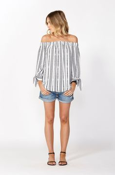 Shop the Best Selling Paraty Print Off Shoulder Top in store and online now! Wardrobe Basics, Off Shoulder Tops, Womens Scarves, Best Sellers, Womens Fashion, Fashion Trends, Clothes For Women, Store, Collection