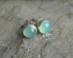 Round studs Aqua stud earrings Chalcedony earrings door Studio1980