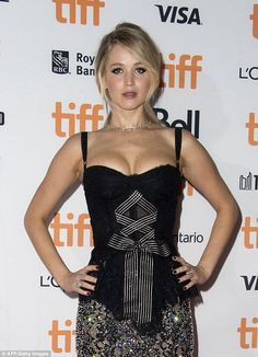She certainly turns heads at her red carpet events. And Jennifer Lawrence was right on trend as she stunned in a revealing ensemble for the premiere of her new movie Mother! on Sunday. Old Actress, American Actress, Jennifer Lawrence Body, Jennefer Lawrence, The Burning Plain, Bollywood, Steve Carell, Rachel Weisz, Famous Women