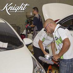 Si vas a salir de viaje este fin de semana, recuerda programar la limpieza de tu auto para los primeros días de la semana entrante. Vienen momentos familiares que todos compartimos con la mejor cara, ¡no dejes que tu carro desentone por estar sucio! Llama al 413-0001 y déjalo en nuestras manos. #Knight #LavadoEcológico