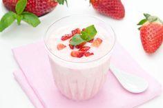 Aprendamos a preparar yogurt casero natural o saborizado, para tener siempre a mano una rica porción de este sabroso y saludable alimento.