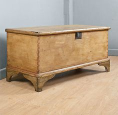 SOLID PINE BLANKET BOX, BRACKET FEET, INTERNAL CANDLE STORE, WAXED, c150YRS OLD