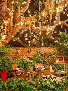 Perfect Southern backyard sitting area. #Southern #summer #night