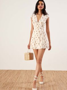 Reformation Dawn Wrap Dress M New Comfy Dresses, Casual Dresses, Short Dresses, Summer Dresses, Wrap Dresses, Spring Outfits, Trendy Outfits, Cute Outfits, Dress Outfits