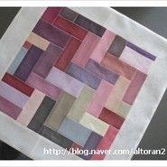 섬네일 Patchwork Blanket, Patchwork Patterns, Home Crafts, Diy And Crafts, Arts And Crafts, Korean Traditional, Traditional Design, Picnic Blanket, Outdoor Blanket