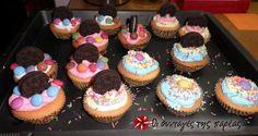 Πεντανόστιμα Cupcakes by Παρλιάρος #sintagespareas Mini Cupcakes, Muffins, Cooking, Sweet, Desserts, Recipes, Kids, Cup Cup, Food