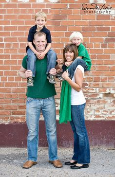 This is another one of my favorite families! Their urban photo session that took place in downtown Tucson, Arizona was so much fun, their children just make me laugh and have such genuine expression for the camera - check out their photos in the children's gallery too - awesome! www.wondertimephoto.com