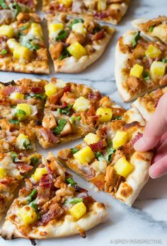 Grilled Chicken Teriyaki Pizza with fresh pineapple, bacon, scallions, and teriyaki sauce! Easy teriyaki chicken pizza made on the grill or in the oven, is Grilled Flatbread, Chicken Flatbread, Grilled Chicken, Grilled Zucchini, Grilled Vegetables, Grilled Pizza Recipes, Chicken Pizza Recipes, Teriyaki Chicken, Teriyaki Sauce