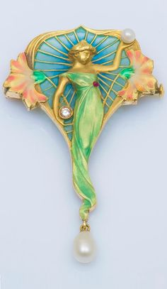 An Art Nouveau 18k gold, enamel, diamond and pearl pendant. 5.5 x 3.5cm. #ArtNouveau #pendant