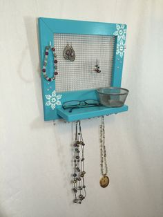 Frozen Jewelry, Jewelry Holder, My Etsy Shop, Unique Jewelry, Handmade Gifts, Room, Blue, Vintage, Kid Craft Gifts