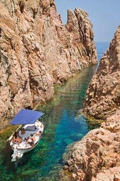 This is Aigua Xelida, an amazing hidden cove in Begur in Spain's Costa Brava - http://www.minube.net/place/aigua-xelida-cove--a106780